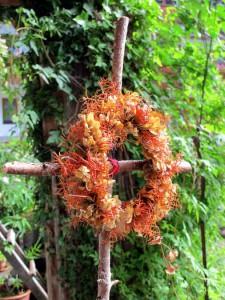 Blumenkranz im Garten
