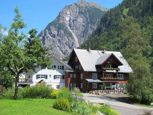 Das Dorf Buchboden im Großen Walsertal in Vorarlberg