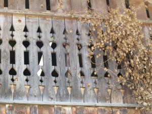 Traditionelle Schnitzereien in Buchboden