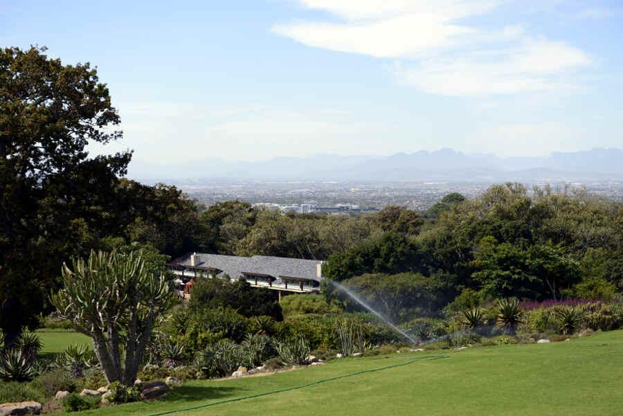 Foto des botanischen Gartens Kirstenbosch in Kapstadt in Südafrika