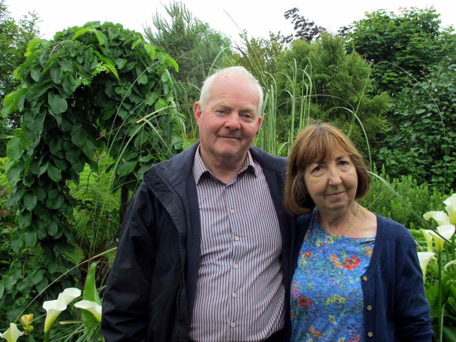 Foto der Garten-Enthusiasten David und Mary Tanner in der Grafschaft Cork in Irland