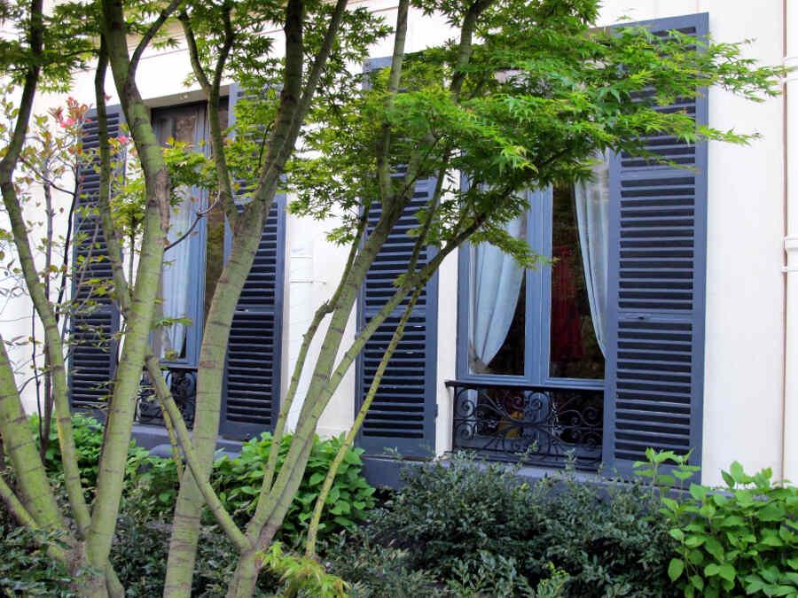 Foto des Palais-Innenhofs - ein Stadtgarten in Paris