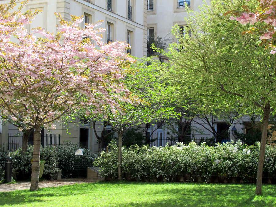 PARIS: Geheime Gärten unterm Eiffelturm - vonREISENundGAERTEN