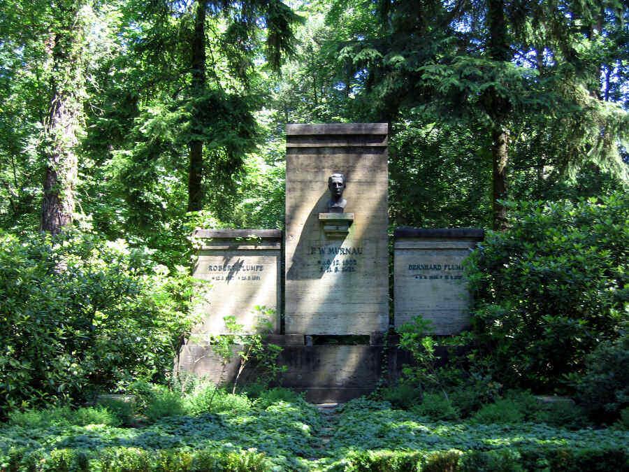 Murnau-Mausoleum auf Friedhof Stahnsdorf