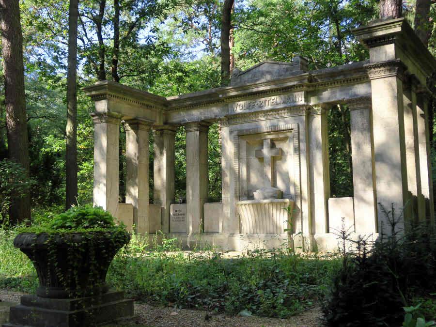 Mausoleum auf Friedhof Stahnsdorf
