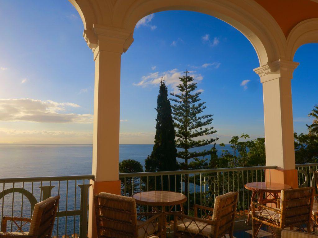 Spektakulärer Abendblick auf den Atlantik von der Terrasse des Belmond Reid's Palace ©DDAVID