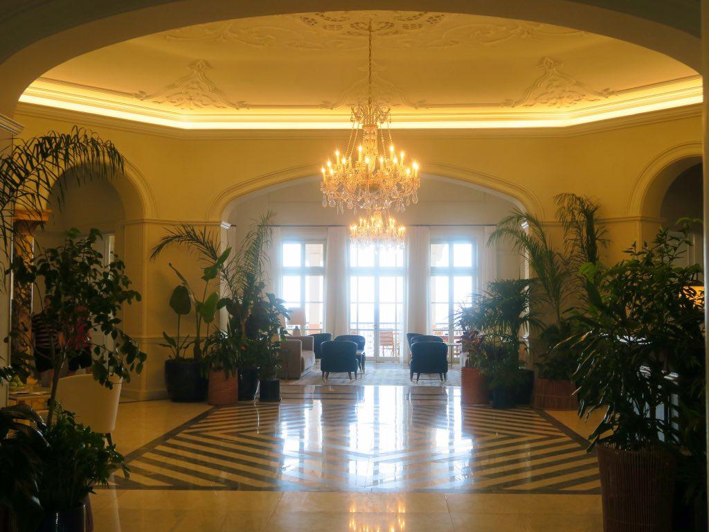 Natürlich mit Pflanzen – die Hotelhalle des Belmond Reid's Palace ©DDAVID
